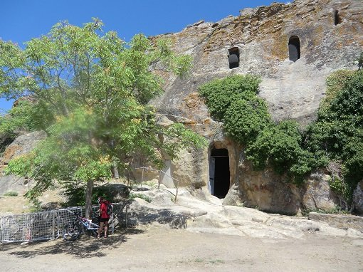 Grotte della Gurfa da fuori