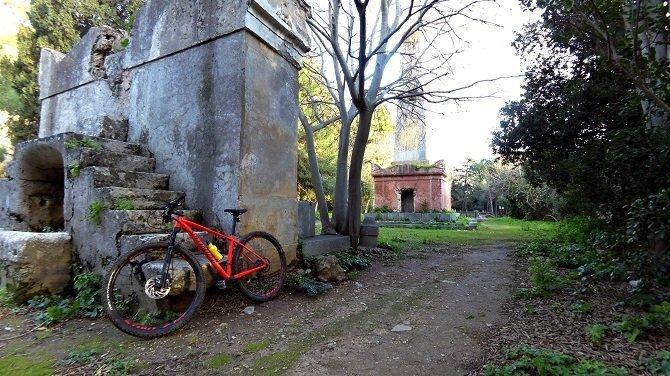Giro in MTB a Palermo - Parco della Favorita